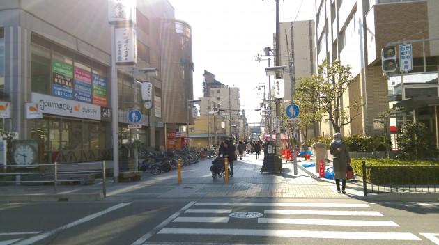 西宮神社入口へは、阪神西宮駅から徒歩5分ほど
